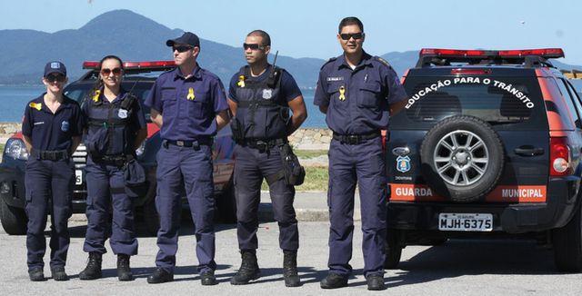Guarda Municipal de São José promove ações para a campanha Maio Amarelo